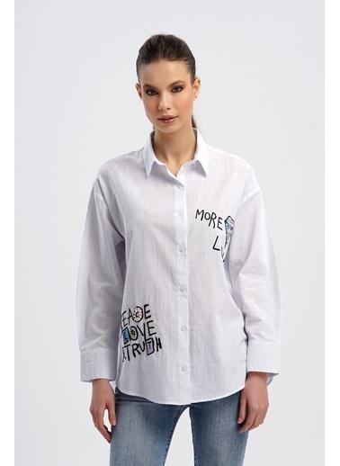Nismia Karalama Nakışlı Boncuk Işlemeli Salaş Pamuklu Geniş Kalıplı Gömlek Beyaz
